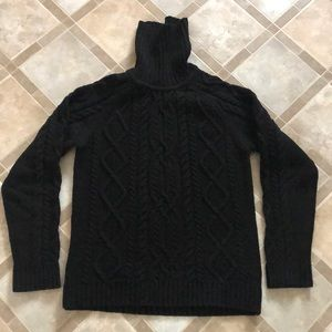 ❄️H&M- Turtleneck sweater(Size M)❄️
